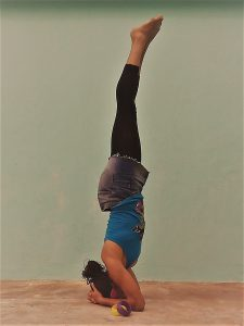headstand chisyoga